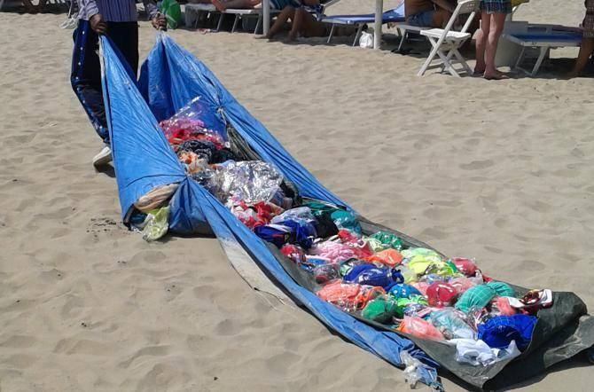 Sequestro di merce in spiaggia