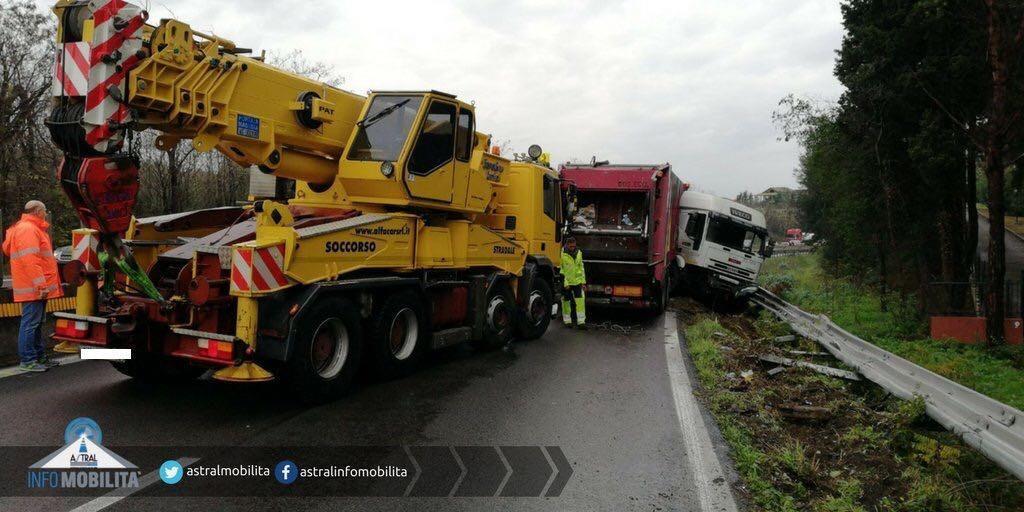 Lazio, Astral: incidente sulla Pontina chiusa in direzione Roma