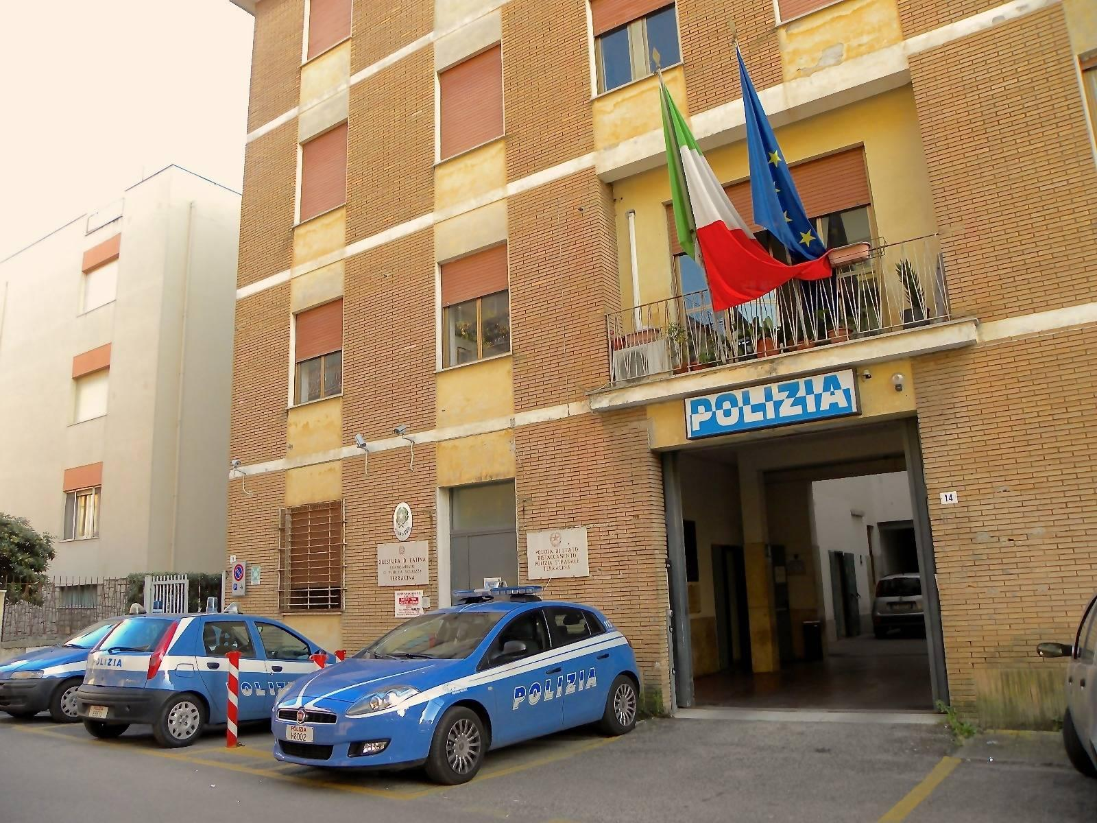Terracina, falsi test d'italiano per stranieri: perquisizioni e sequestri