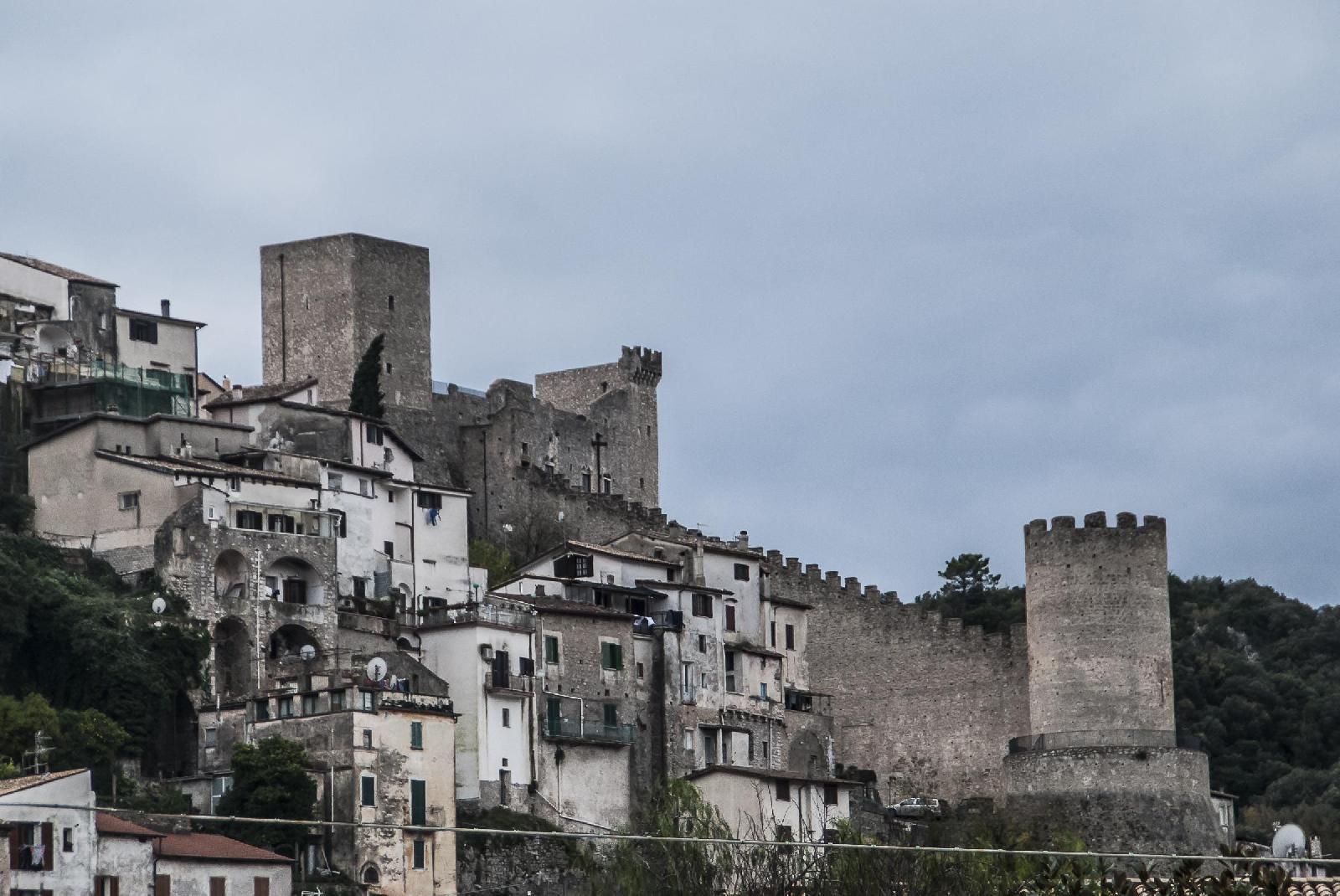 Letto A Castello Lazio.Itri Il Castello Medievale Entra A Far Parte Delle Dimore