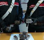 Presi in trasferta con due chili di droga, in quattro ai domiciliari